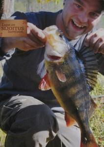 Voittajan hymy. Kuva on osa metsähallituksen ilmoitusta, joka julkaistiin keväällä 2015.